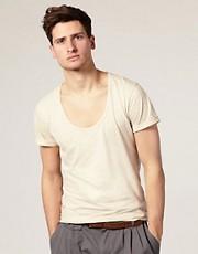 ASOS - T-shirt avec encolure en U