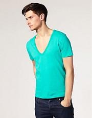 ASOS - T-shirt col V profond à manches courtes