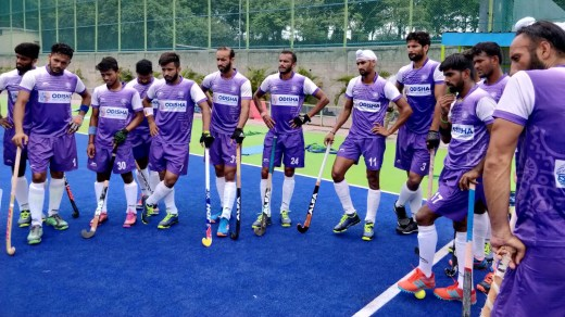Chief coach of Indian men's team Harendra Singh has complained to Hockey India about the sub-standard quality of food and hygiene level at the SAI centre in Bengaluru.