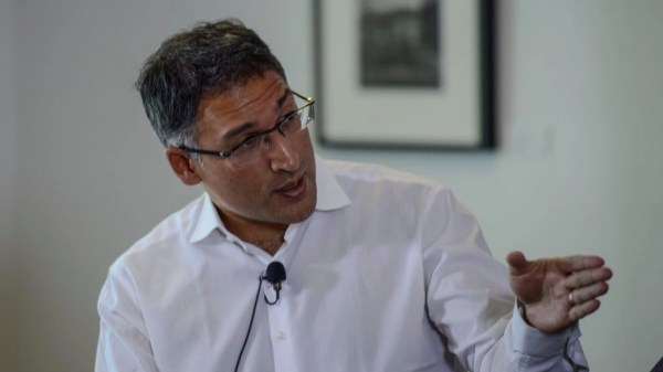 Neal Katyal, the Indian-Origin Lawyer Against Trump's ...