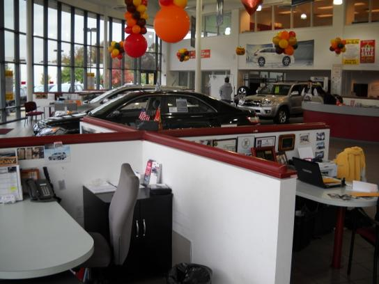 Ourisman Chantilly Toyota car dealership in Chantilly, VA ...