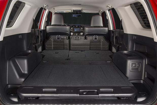 does toyota 4runner have 3rd row seat. Black Bedroom Furniture Sets. Home Design Ideas
