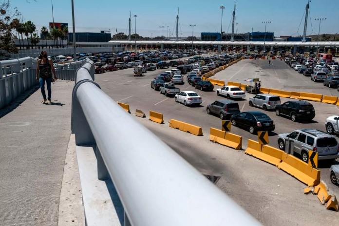 Mexican leaders call for tighter border control as COVID-19 cases ...