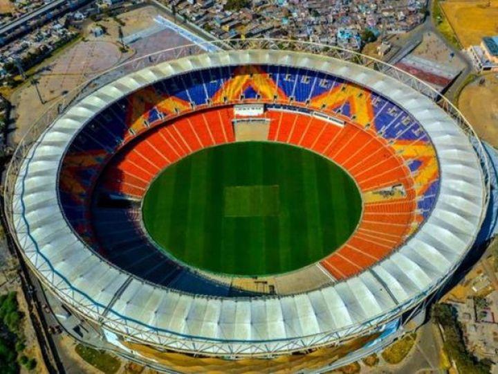 नरेंद्र मोदी स्टेडियम में टूर्नामेंट का फाइनल मुकाबला खेला जाना है। इसी ग्राउंड पर IPL 2021 के प्लेऑफ मुकाबले भी खेले जाएंगे। - Dainik Bhaskar