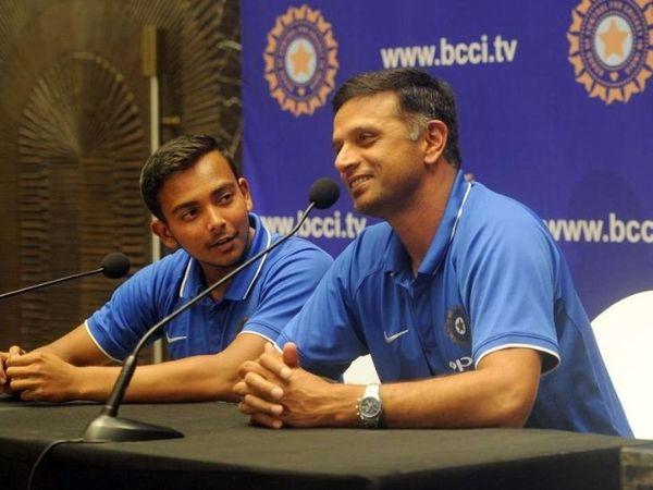 राहुल द्रविड़ के कोच रहते पृथ्वी शॉ की टीम ने अंडर -19 विश्व कप जीता।