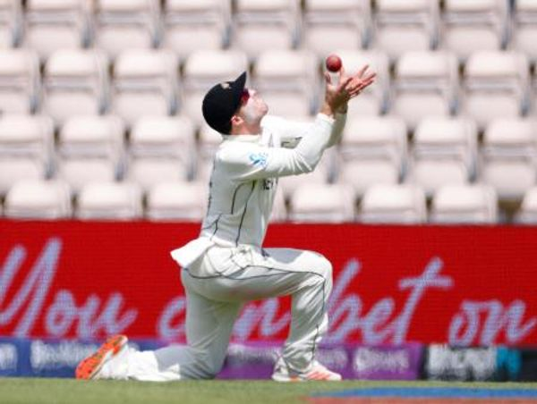 However, Henry Nicholls compensated for Southee's catch and ran back and took a brilliant catch by Pant.  Pant was dismissed after scoring 41 runs.