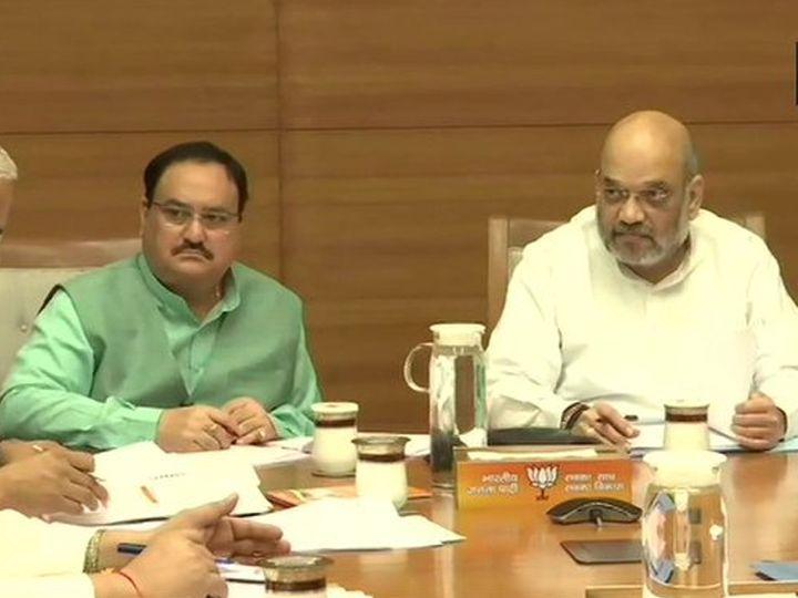 बैठक में शाह-नड्डा के साथ केंद्रीय मंत्री संजीव बालियान, सांसद सत्यपाल सिंह समेत कई अन्य सांसद और विधायक भी मौजूद हैं। - Dainik Bhaskar