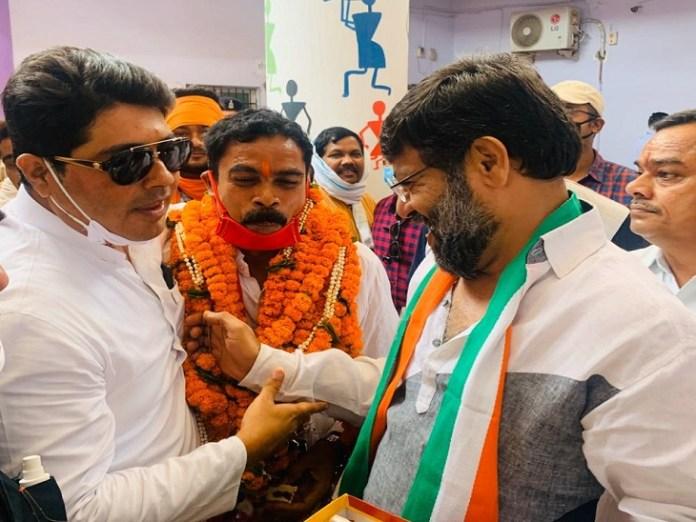 जीत की खुशी नेताओं चेहरों पर साफ नजर आई, प्रदेश के ज्यादातर नगर निगम में पिछले निकाय चुनाव में भी कांग्रेस को जीत मिली थी।
