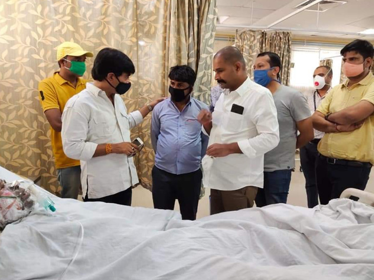 The photo is from SMS Hospital when Babulal was undergoing treatment.
