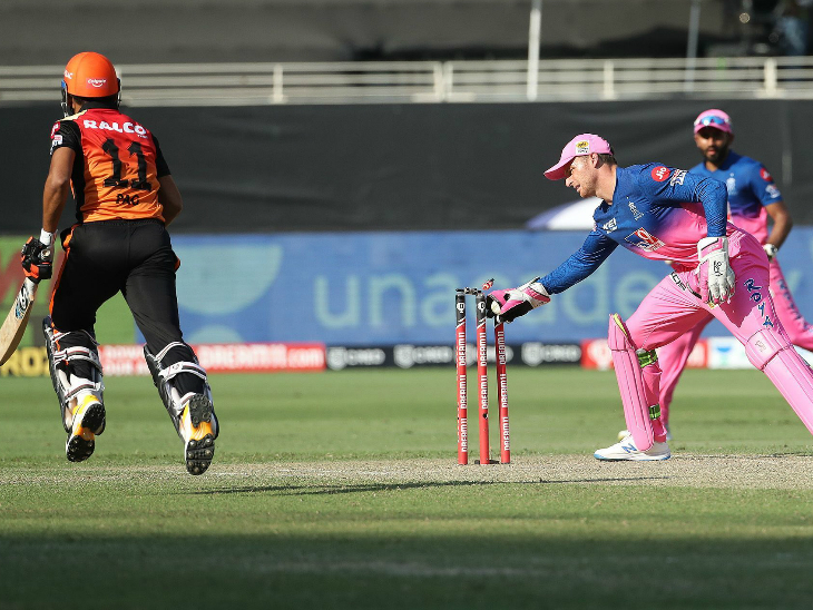 Priyam Garg (15) shared a crucial 36-run partnership for the 5th wicket with Williamson.