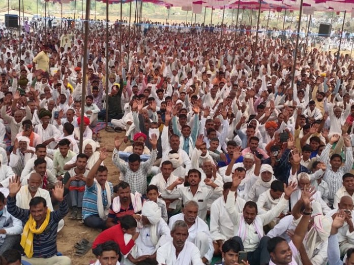 People came to Gurjar Mahapanchayat.