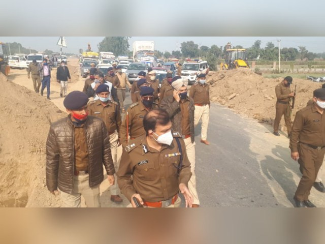 DC and SP with the force on the Haldana border in Sonepat.