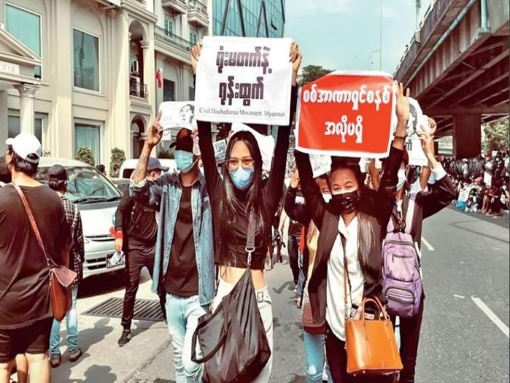 विरोध का एक और चेहरा मैदान में उतरा:म्यांमार में सेना के खिलाफ उतरी 22 साल की ब्यूटी क्वीन, बोलीं- दुनिया हमारी मदद करे