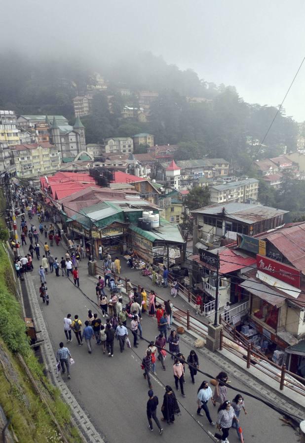 प्रदेश मुख्यमंत्री जयराम ठाकुर ने कहा कि पर्यटकों को राज्य में आने से नहीं रोका जा सकता।