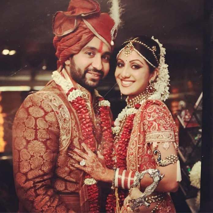 राज ने 2009 में शिल्पा से शादी की थी।