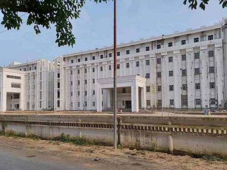 Medical college ready in Mirzapur.
