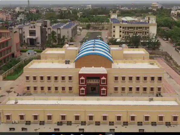 सोमनाथ के बीजीबी केंद्र, जहां आप सोमनाथ के भव्य से जा सकते हैं।