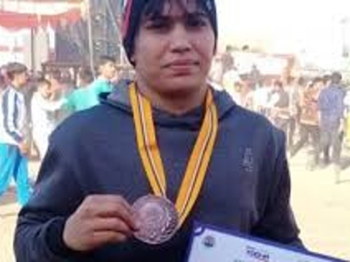 The first female wrestler from MP, who will represent the country in this prestigious tournament.  - Dainik Bhaskar