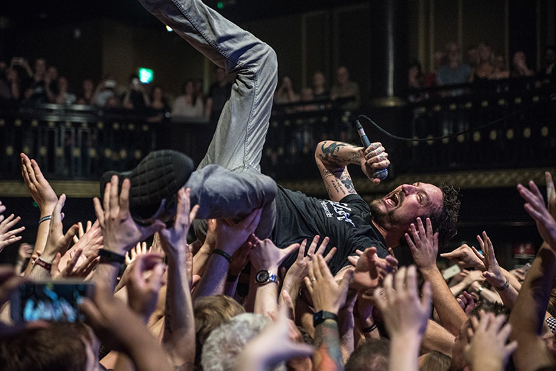 Frank Turner shines light on homelessness in Manchester Street Noise gig |  The Big Issue