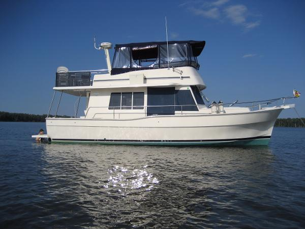 Used Power Boats Mainship Boats For Sale In Maryland