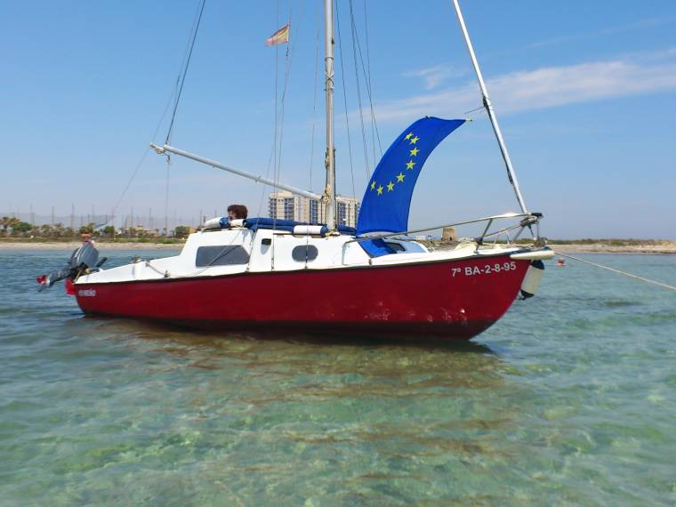 Fareast 18 Review Speedy Day Sailer
