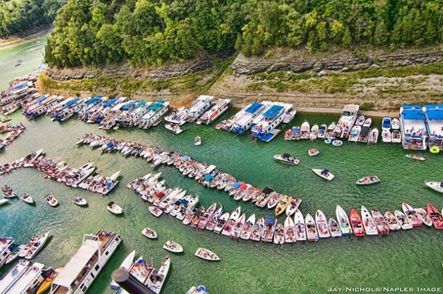 Tie Up To Your Neighbor To Join The Party At Harmon Creek Party Cove On Lake
