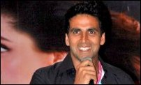 Akshay and Kareena at Kambakkht Ishq media meet