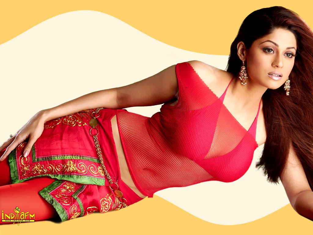 Shamita Shetty Hot Red Wallpaper