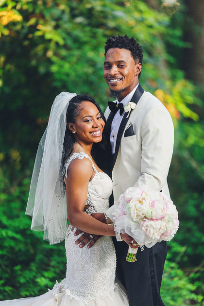 Shari Richards And Tyrell Gatewood S Romantic Austin Wedding At The Vista On Seward Hill