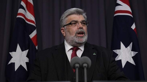 Kim Carr will call for measures to increase open government.