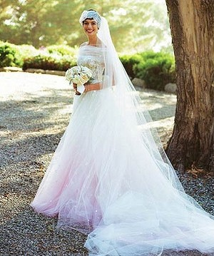 Anne Hathaway opted for a pink dress for her wedding to Adam Shulman last year.
