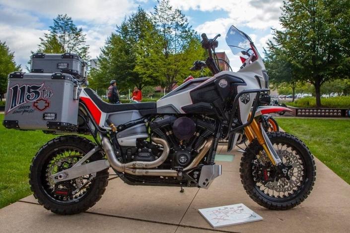 Insolite: quand une Africa Twin et une Harley-Davidson ont un enfant…