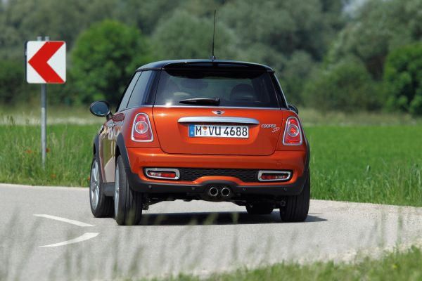 New Mini Cooper SD gets 2.0-liter Turbo Diesel with 143HP ...
