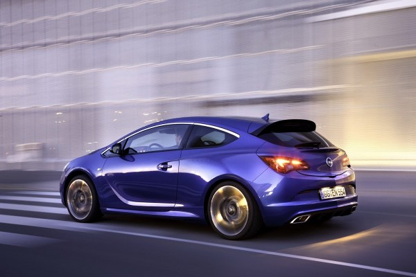 Hot Opel Astra OPC with 276hp Storms the 2012 Geneva Motor ...