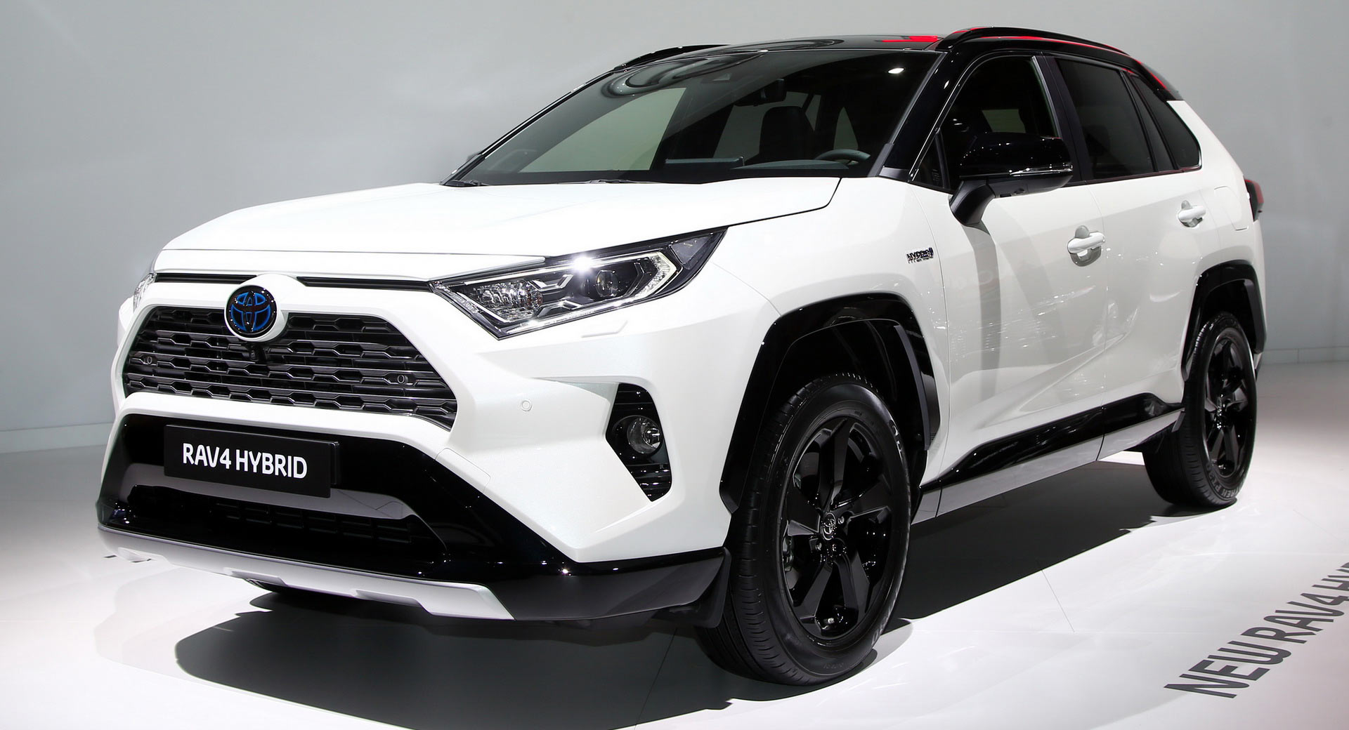 Europe's 2019 Toyota RAV4 Hybrid Debuts In Paris With 219 Horses | UK and World News