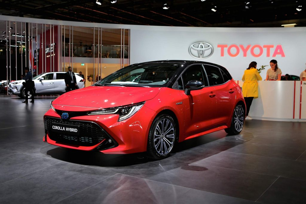 2019 Toyota Corolla Reveals Its Two Flavors In Paris Uk And World News