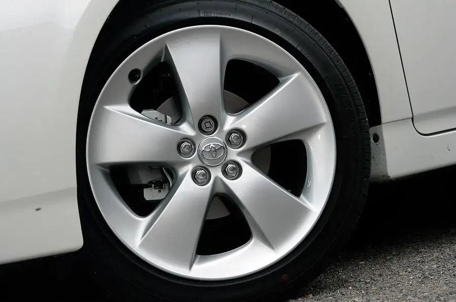 Toyota Prius 2009 2015 Design Amp Styling Autocar