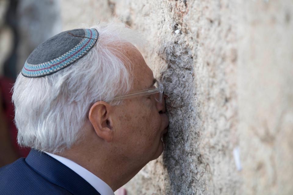 Yhdysvaltain uusi Israelin suurlähettiläs David Friedman vieraili Itkumuurilla 15. toukokuuta.