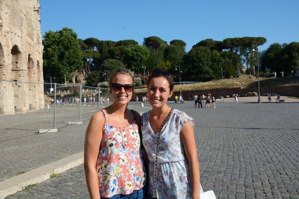 Amerikkalaisturistit Shawna ja Stephanie Roomassa 20. kesäkuuta 2017.