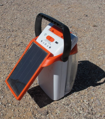 Every vandweller should have one of these Energizer Solar Lanerns, I love it that much!