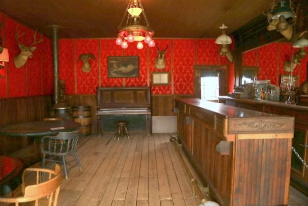 cody-town-saloon-center