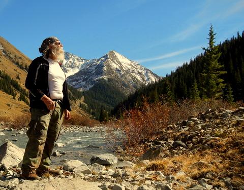 I love photos of mountain streams!