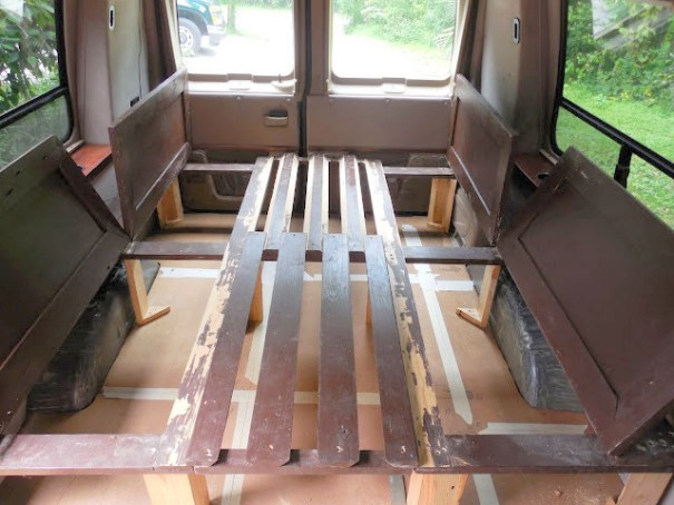 This bed is more like building fine cbinets than framing a house and requires much more fine carpentry skills. I don't have thse skills, but I could adapt these ideas and build this bed out of 2 x 4s which I'm more comfortable with.
