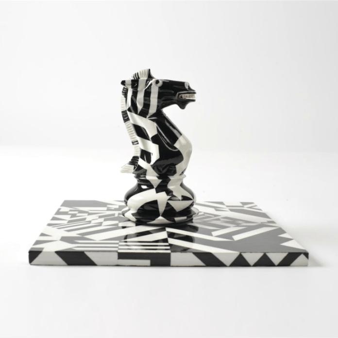 Ornament shahu arti Willum Morsch X Purling London 'Trojan Dazzle Knight # 2'