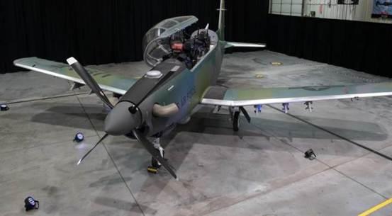 """美国空军接收其第一架AT-6E""""金刚狼""""轻型攻击机-军事-中国时报"""