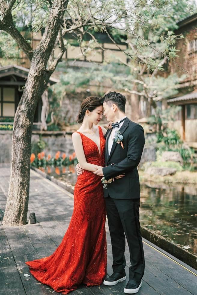 于中中一手策劃訂婚宴,讓老婆安唯綾很感動。(星力海藍文化傳媒提供)