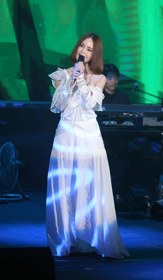 高勝美今晚獻唱多首經典曲。(吳松翰攝)