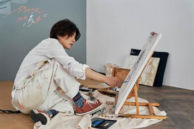 林哲熹飾演童話藝術家「藺川想」。(可米傳媒提供)