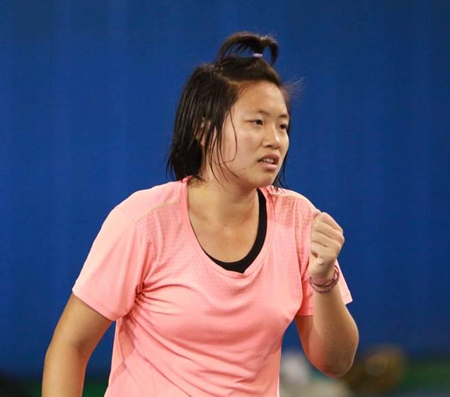 曾子穎在圓山青少年網球菁英邀請賽女子組封后。(圓網1416公益信託基金提供)
