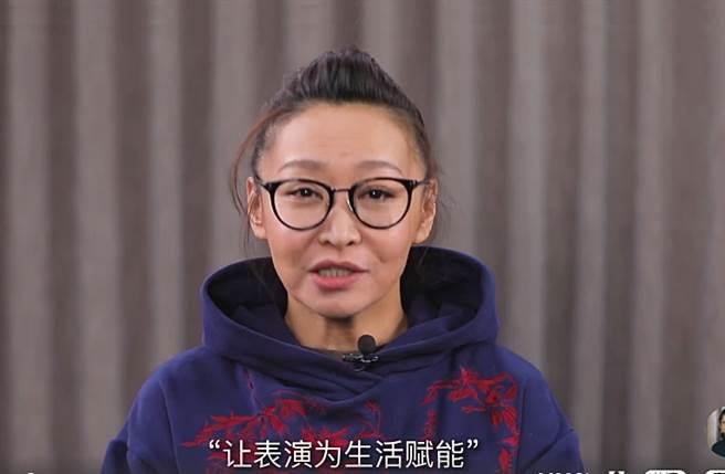 中央戲劇學院表演老師劉天池曾教Angelababy演技。(圖/翻攝自秒拍)
